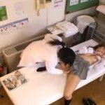 【盗撮レズ動画】白ギャル女子校生が産婦人科で膣内検査と言われビアン女医にレズレイプで犯される!