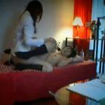 【盗撮レズ動画】貧乳のロリJKがペニバン履いたビアンの家庭教師にレズレイプされる瞬間を隠し撮り!