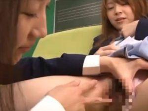 【カップルレズ動画】けいおんのコスプレしたビアンの美少女レイヤー2人が着衣SEXでレズプレイ