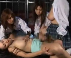 【JKレズ動画】ふたなり女子校生たちが担任の爆乳女教師を監禁し輪姦レイプで連続顔射!