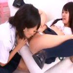 【JKレズ動画】エロ可愛いレズビアン女子校生の2人組が制服姿のまま着衣SEXで濃厚クンニ