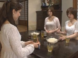 【レズ動画】親族レズ!義母・義姉・義妹にレズられる巨乳な美熟女嫁。
