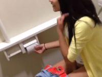【素人Vineレズ動画】マン毛がチラ見え!幼い少女たちがVineにアップした生々しいエロ動画まとめ